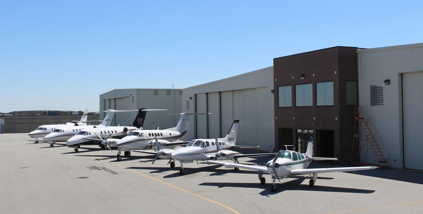 Hangar Line Up